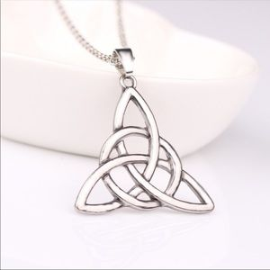Jewelry - Celtic Knot Silver Tone Necklace
